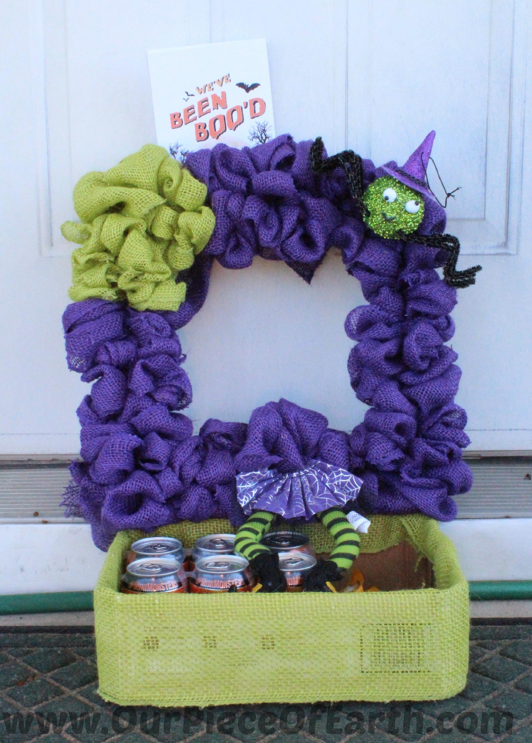 How to create a Halloween burlap wreath tutorial.